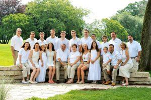 The Artlynn Photography large crazy Italian family.